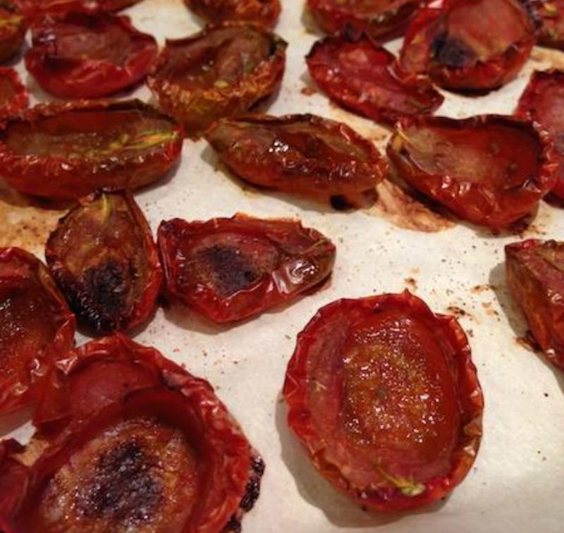 Шикарные вяленые помидоры: быстрый способ в духовке! На праздничном столе это закуска № 1.