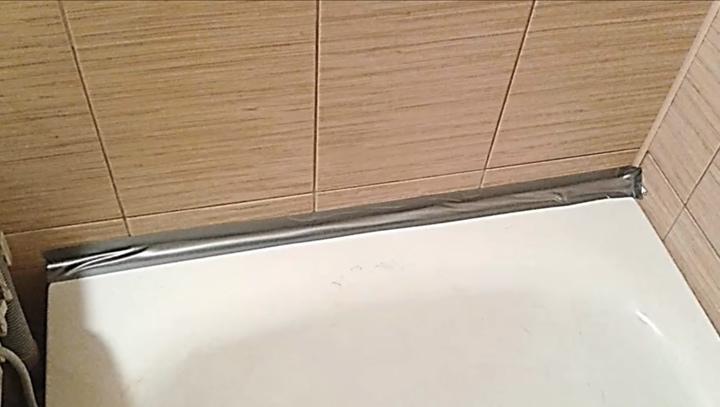 Надежный и проверенный способ закрытия щели между ванной и стеной