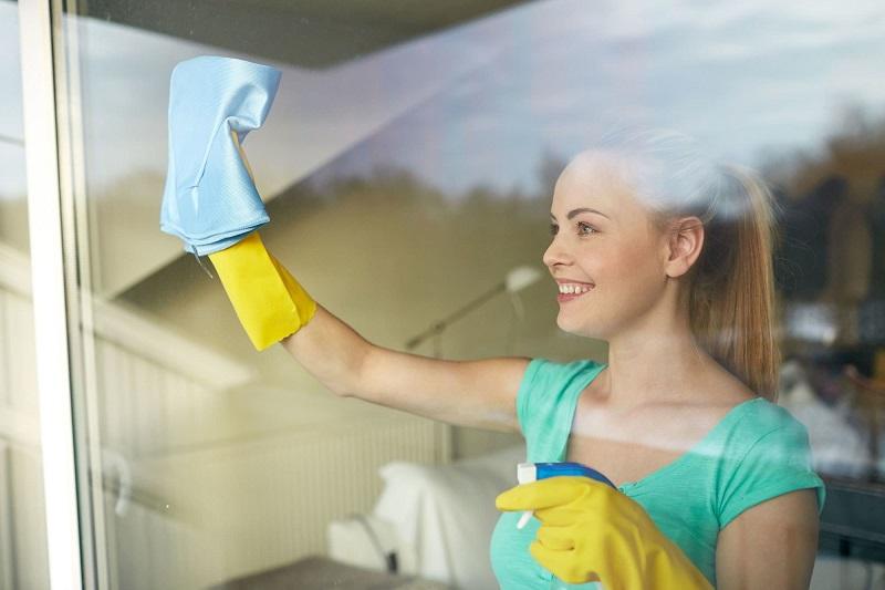 Занавески такие же белые, как в первый день покупки! Замочи всего на 10 минут, а затем загрузи в стиральную машину.