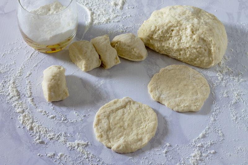 Рецепт дрожжевого теста для жареных пирожков